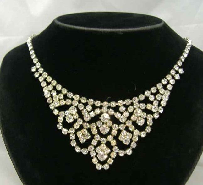 1950s Glamours Drop Diamante Necklace